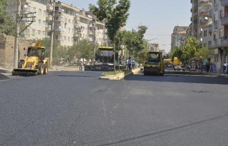 Diyarbakır'da yol çalışmalarına