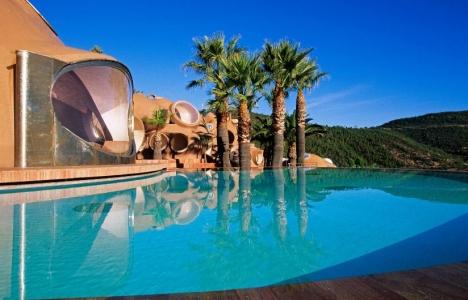 Pierre Cardin'ın 455 milyon dolarlık sarayı satışa çıktı!