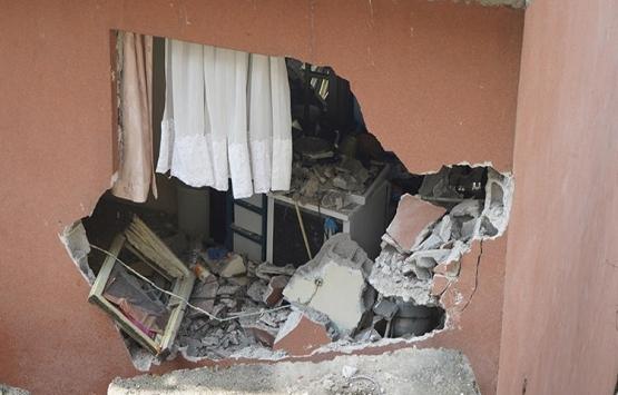 Sarıyer'de yol çöktü, 2 bina tahliye edildi!
