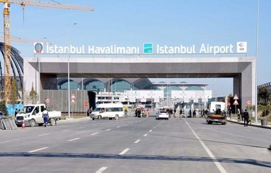Yeni havalimanının tabelasındaki
