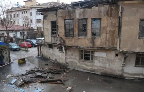 Çorum'da tarihi bina vatandaşın üzerine yıkıldı!