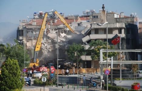 Aydın Vakıflar yeni binası için yıkım başladı!