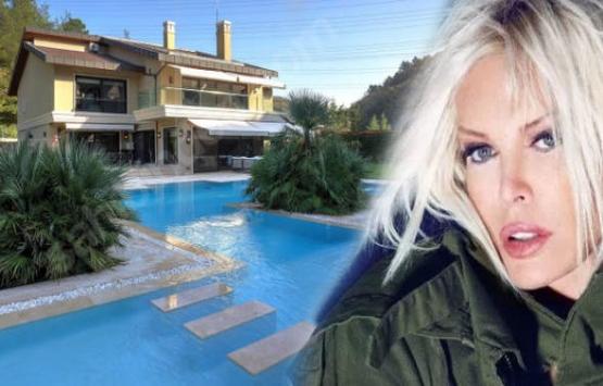 Ajda Pekkan Bahçeköy'deki villasını 1 yıldır satamıyor!