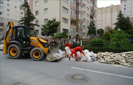 Beylikdüzü'nde moloz atıkları belediye tarafından temizleniyor!