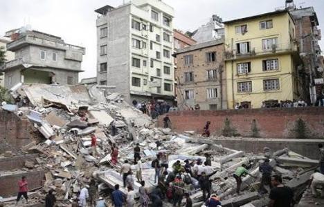 Nepal'de 7,9 şiddetinde