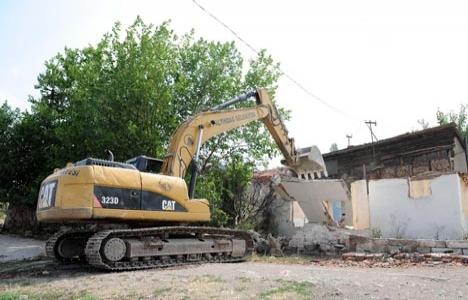 1947 yılında gecekondu evleri yıkılmayacak!