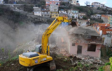 Riskli yapı tespitinde tahliye ve yıkım işlemleri!