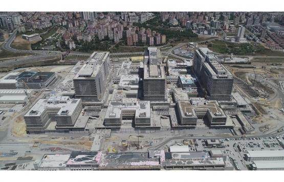 Başakşehir Şehir Hastanesi'nin metro ve karayolu inşaatı devam edecek mi?