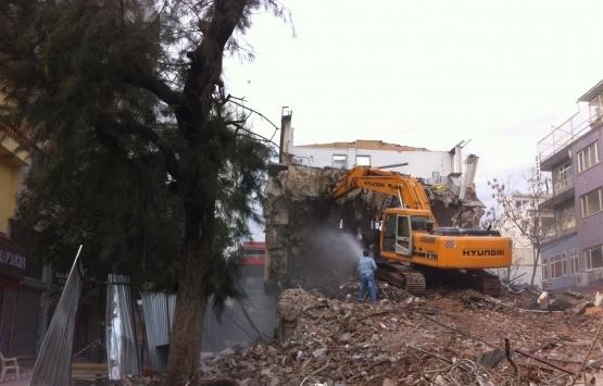 Antalya Adrasan'daki kaçak yapılar yıkılıyor!