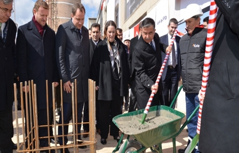 Kale Grubu Çanakkale'de granit fabrikasının temelini attı!