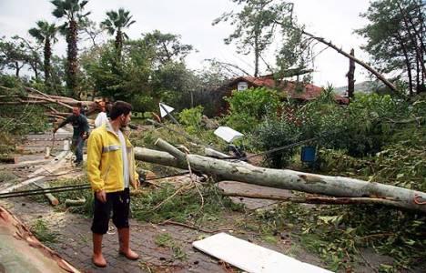 Ege'de çok sayıda ev ve iş yeri sular altında kaldı!