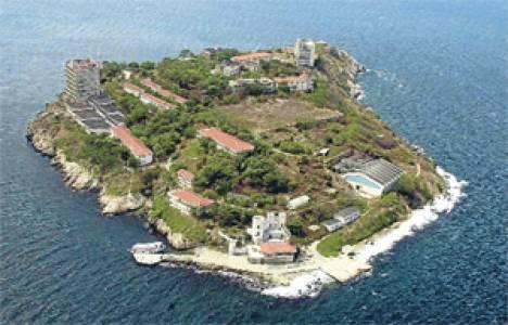 Adalar Belediyesi Yassıada ve Sivriada için sit alanı demedi!