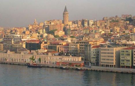 Karaköy Tarihi Paket Postahanesi yıkıldı!
