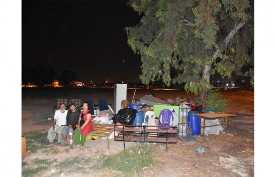 Adana Sarıçam'da kirasını ödeyemeyen aile sokakta kaldı!