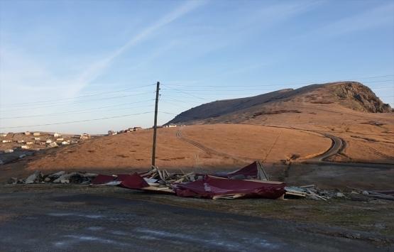 Trabzon Sisdağı Yaylası'ndaki 10 kaçak yapı yıkıldı!