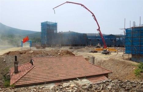 Çin'de yıkılmayan ev