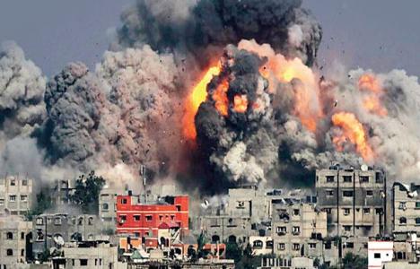 Gazze'de yıkılan bina