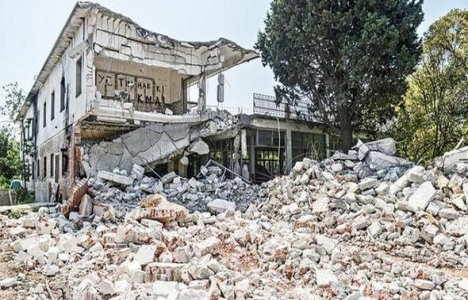 Kamp Armen yeniden inşa edilecek!