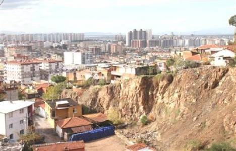 Selahattin Varan: İzmir'deki kentsel dönüşüm hızlanmalı!