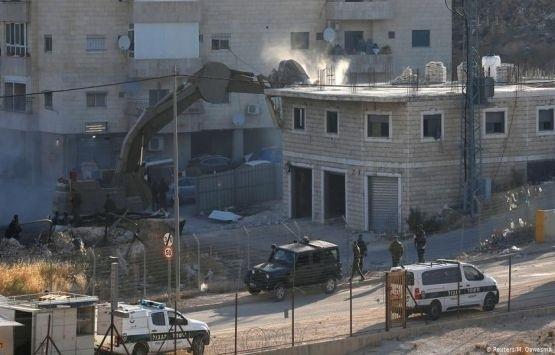 Mescid-i Aksa minberinden İsrail'in yıkım politikasına tepki!