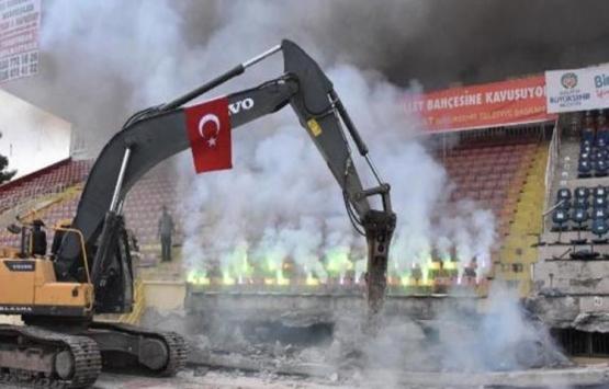 İnönü Stadı'nın kapalı