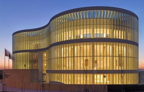 Küçükçekmece Belediyesi hizmet binası dünya üçüncüsü oldu!