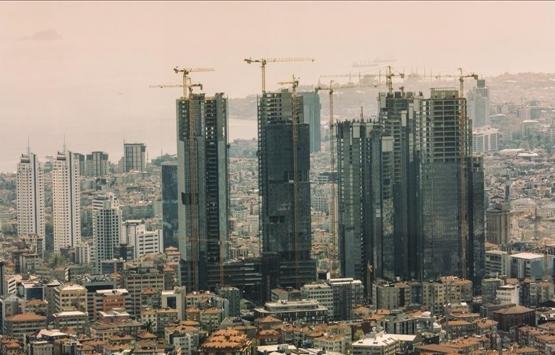 Ataşehir'de riskli binalar yıkılıyor!
