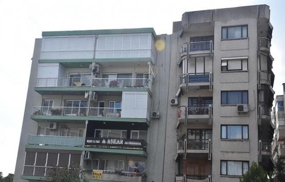 İzmir'de eğik bina