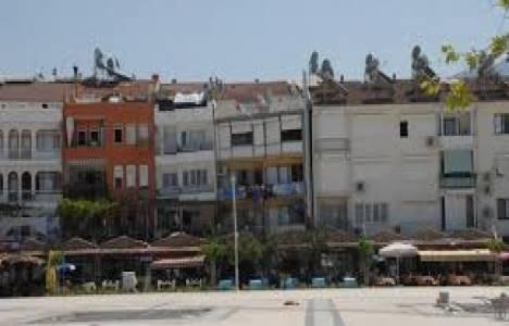 Fethiye'de 9 bina 10 yıldır yıkılmayı bekliyor!