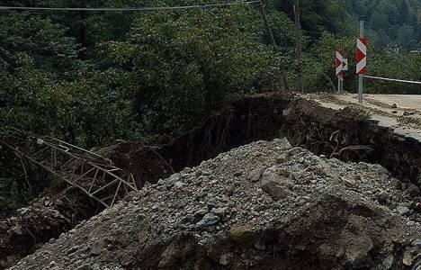 Hindistan'da toprak kayması