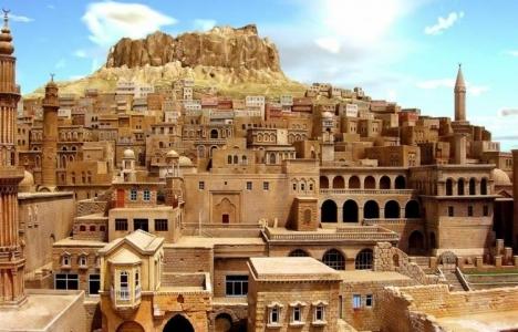 Mardin'de 200 yapı