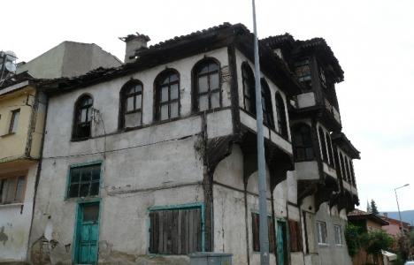 Bilecik'teki tarihi evler yıkılmak üzere!