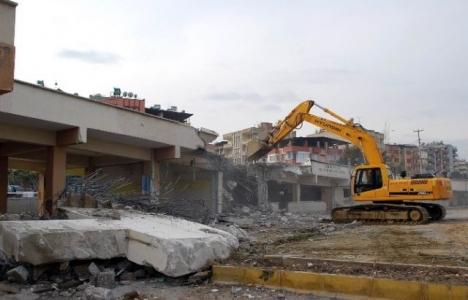 Manisa Yeni Bedesten Çarşısı için yıkım başladı!