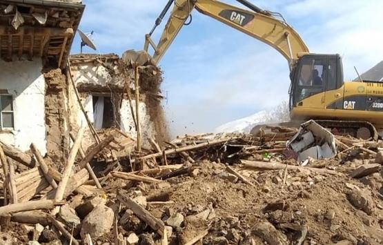 Malatya'da ağır hasarlı evler yıkıldı!