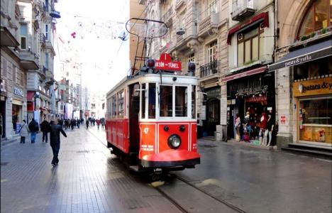 Beyoğlu'na tramvay geldi,