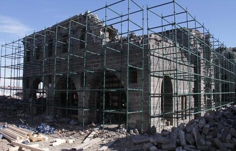 Teröristlerin Sur'da tahrip
