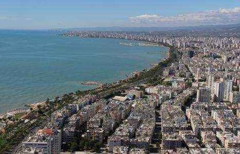 Mersin Akdeniz'deki eski binalar yıkılmalı!