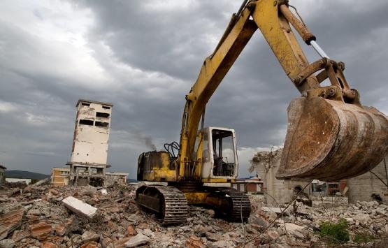 Çatalca'da 8 kaçak yapı yıkıldı!