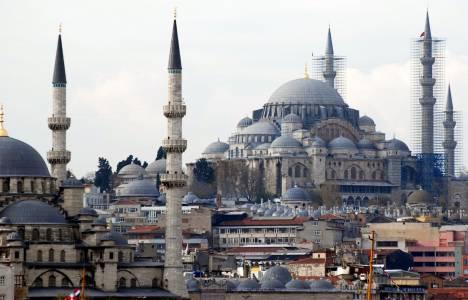 Süleymaniye Camii ibadete