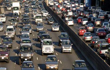 İstanbul trafiğinde 1 saatin 40 dakikası kayıp zaman!