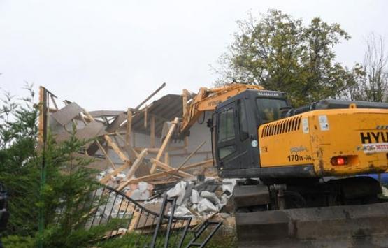 Uludağ yolundaki kaçak ev yıkıldı!