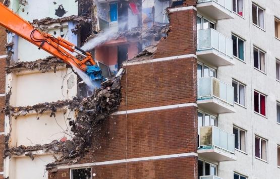 Mühendislik görmemiş binalar yıkılmalı!