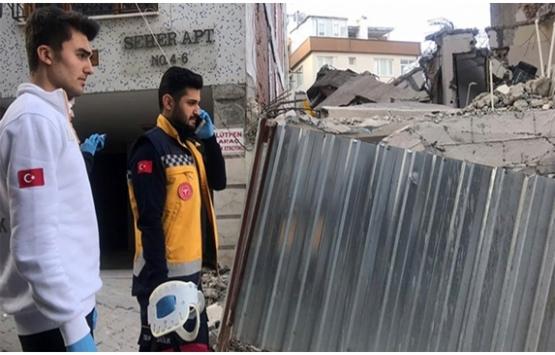 Üsküdar'da bina yıkım çalışmasında 2 işçi yaralandı!
