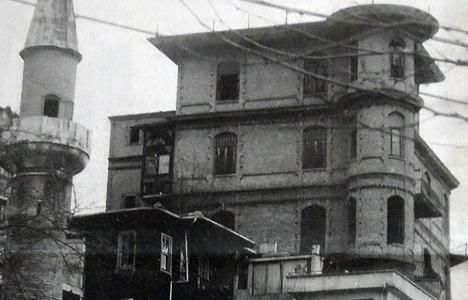 2000 yılında Perili