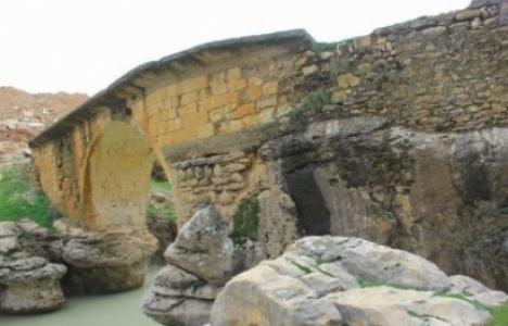 Diyarbakır'daki tarihi köprü