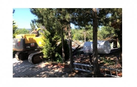 Bilecik'te gölet çevresindeki iş yeri yıkıldı!