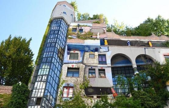 Viyana'da Hundertwasser tarafından yapılan ev aslında apartman!