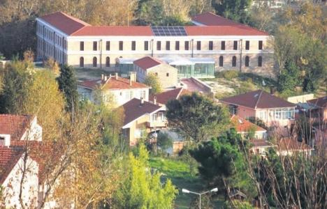 Beykoz'daki tarihi kışla binası Bezmialem Üniversitesi'ne devredildi!