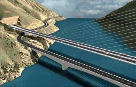 Kömürhan Köprüsü'nün yanına