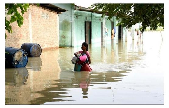 Hindistan'da şiddetli yağışlar nedeniyle çok sayıda ev yıkıldı!